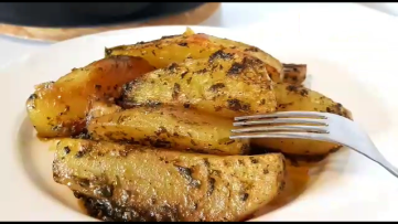 cartofi inabusiti in sos